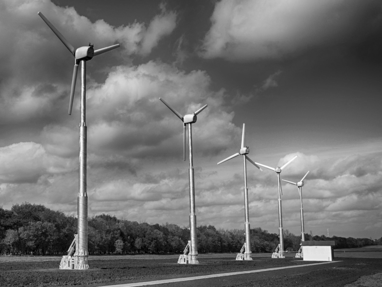 wind-1250-bw